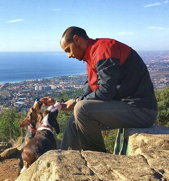 Carlos Míllara Educador canino